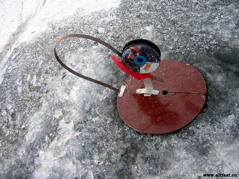 Самодельная жерлица для зимней рыбалки